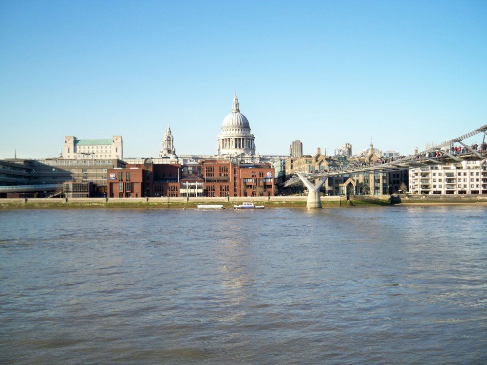 LEADARISE your career in London with friends
