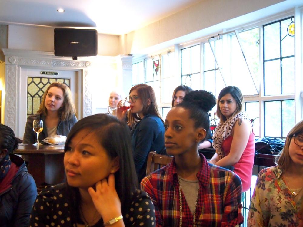 Participants enjoy a free Leadarise workshop with a pro